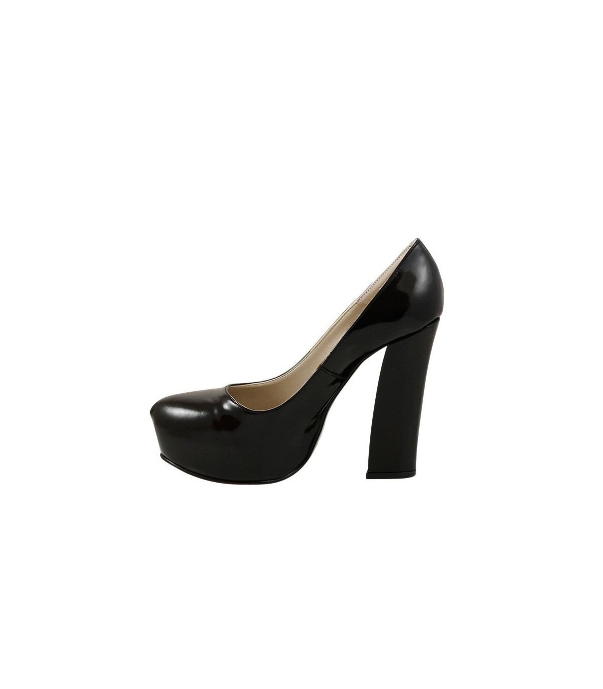 e6fc8cb92a7 ... Stilettos de charol negro. Zapatos de charol
