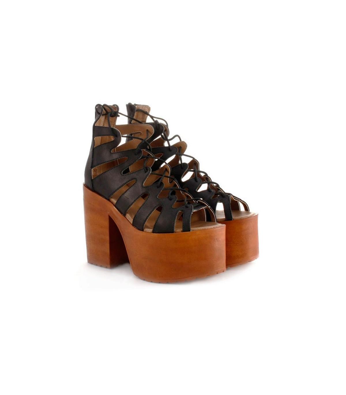 Sandalias negras con cintas f5c9725abc8d