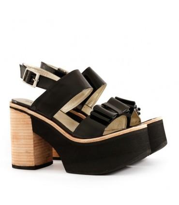 Sandalias de charol negro - CONCEPT