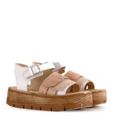 Sandalias de cuero en blanco combinadas