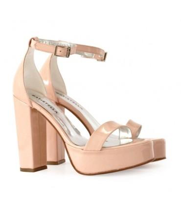 Sandalias de charol en rosa