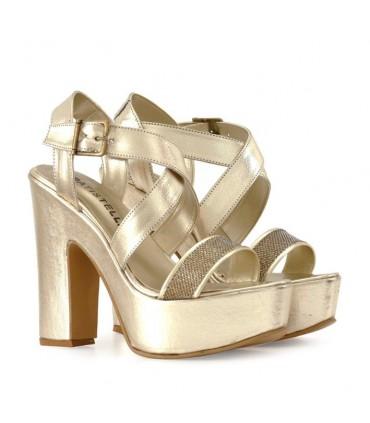 Sandalias de cuero en oro