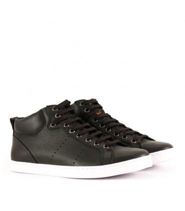 Zapatillas de cuero en negro