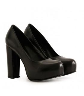 Stilettos de cuero negro