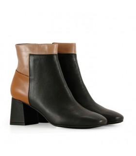 Botas cortas de cuero en negro