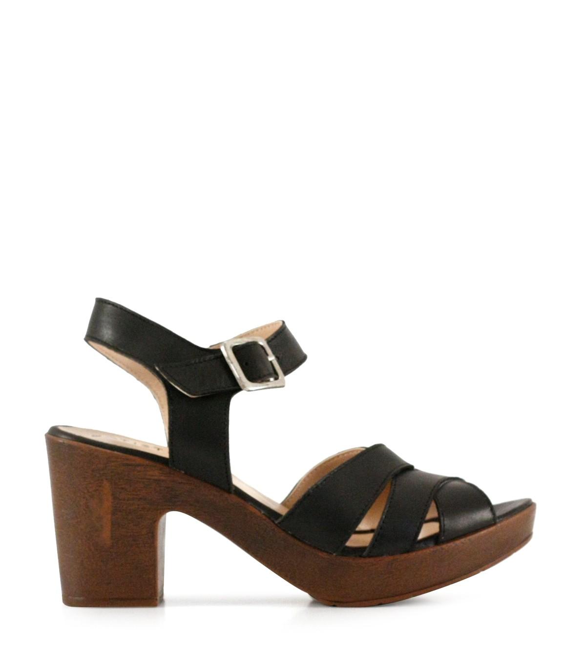 b87a37927 Sandalias de cuero negro con taco medio en calzadosbatistella.com.ar