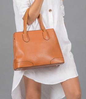 Cartera de símil cuero clásica en marrón