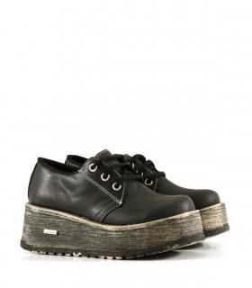 Zapatos abotinados en símil cuero negro