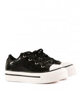 Zapatillas con plataforma de charol en negro