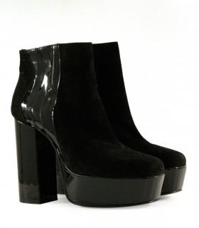 Botas cortas con plataforma de gamuza en negro