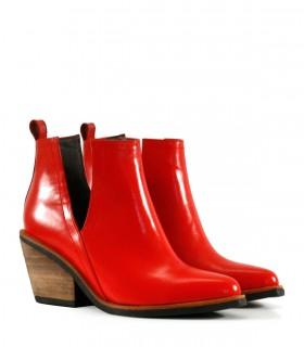 Botas cortas de cuero en rojo