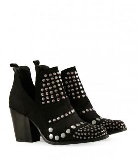 Botas cortas con tachas en gamuza en negro