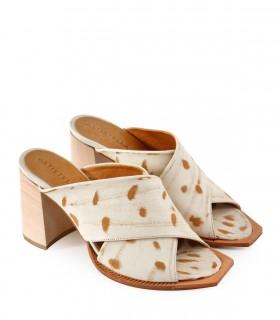 Sandalias en cuero gastado natural