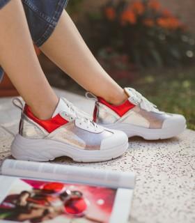 Zapatillas urbanas de cuero metalizado rojo