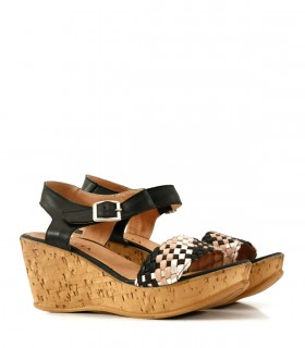 Sandalias de cuero trenzado en negro/nude/platino