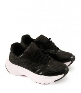 Zapatillas urbanas de símil cuero en negro