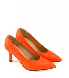Stilletos de cuero en naranja fluor